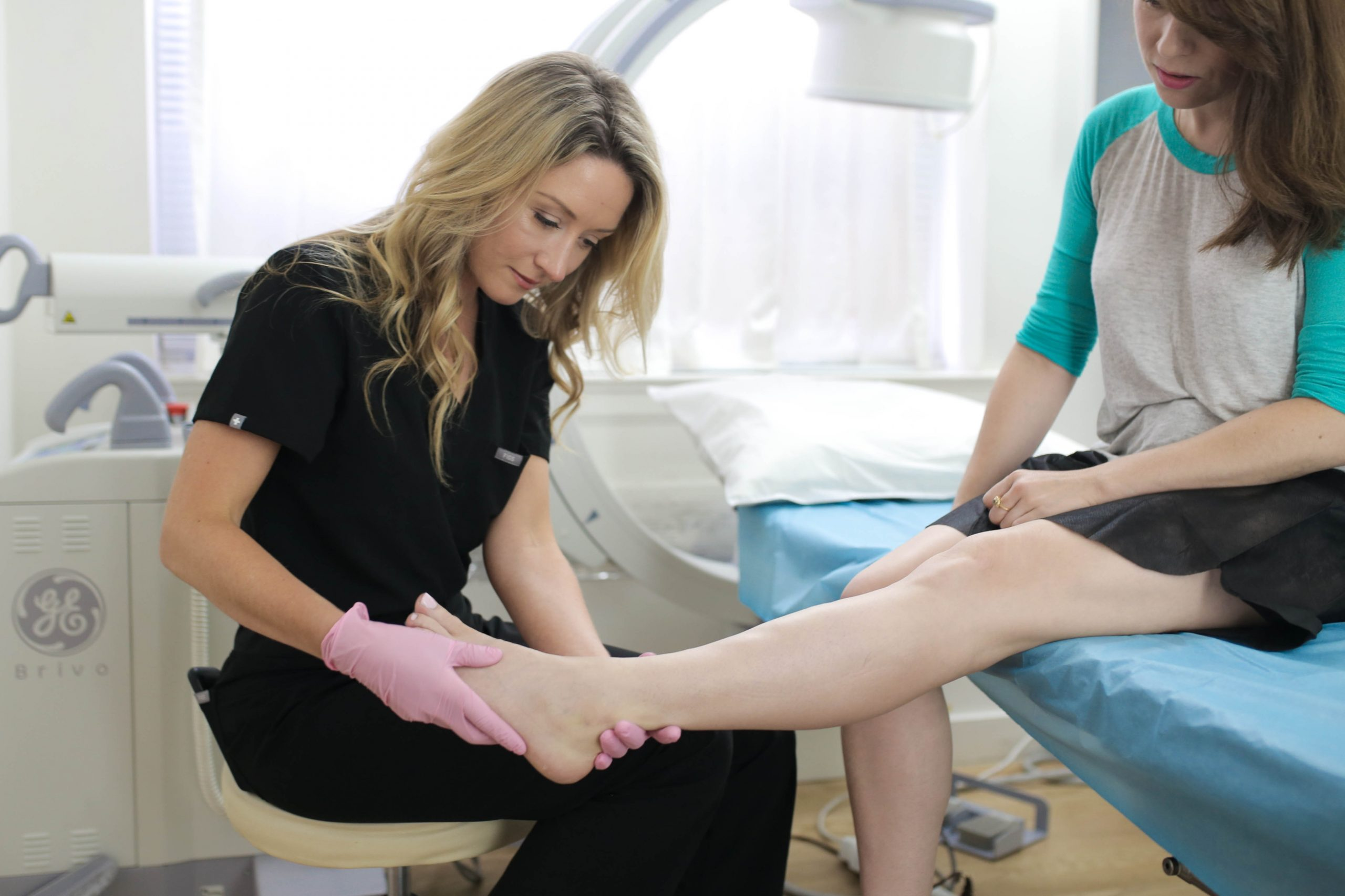 Are you wondering who's the best vein doctor in your area? This article introduces you to the best varicose vein doctor near Hackensack and answers questions about vein treatments.